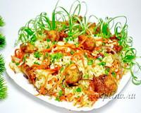 Рыбный салат с рисом и овощами