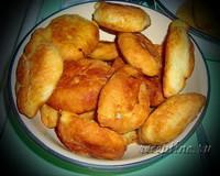 Пирожки на кефире с капустой и яично-луковой начинкой - рецепт с фото